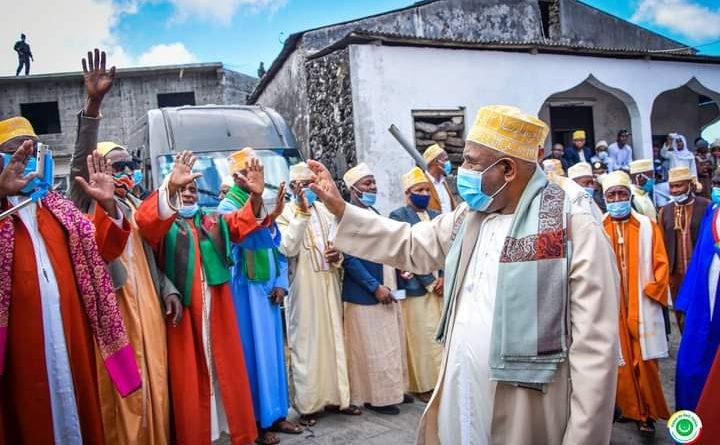 غزالي يتلقى الاعتذار من بلدة امنونغو بعدما أسيء إليه  في مدينة امبيني